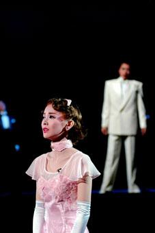 雨に唄えば 星組日生劇場公演「雨に唄えば」 SUMiRE STYLE 雨に唄えば STAGE G